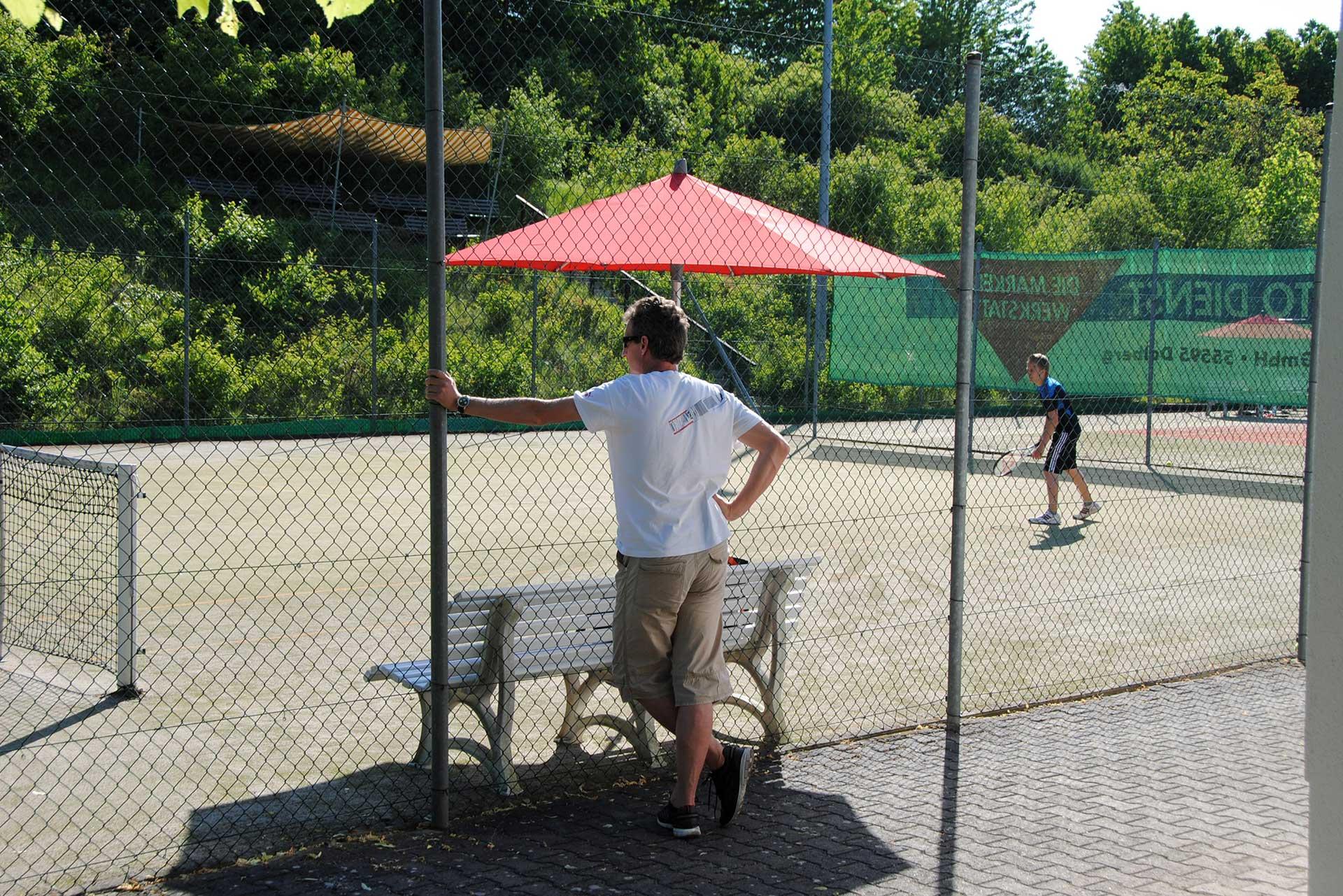 Tennisspiel - Tennisabteilung des TUS Gutenberg